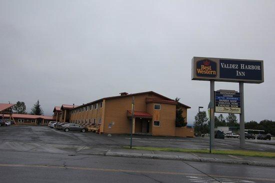 Best Western Valdez Harbor Inn: Extérieur de l'hôtel