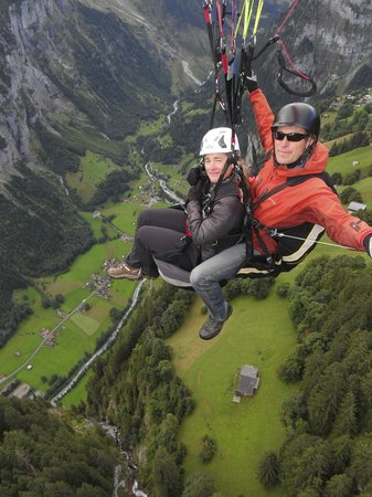 Paragliding Jungfrau: Up, up and away!