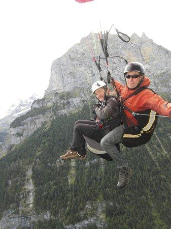 Paragliding Jungfrau : Surreal!