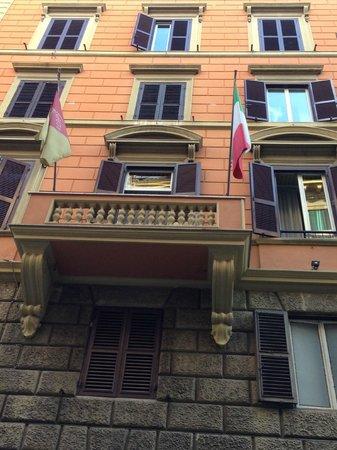 Hotel Invictus Roma : frente do hotel