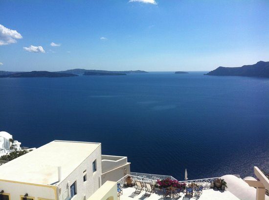 Aspa Villas: Caldera view from hotel terrace
