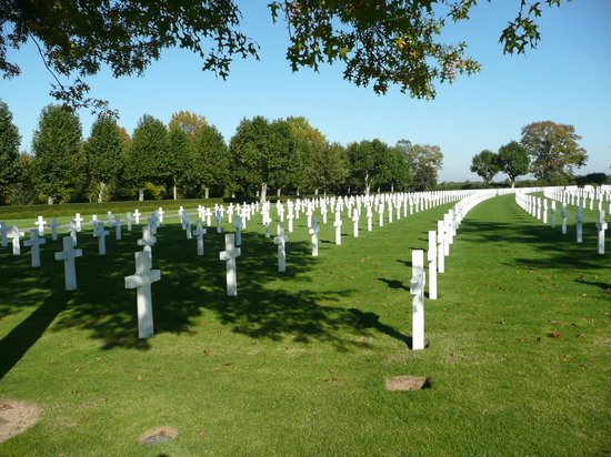 Netherlands American Cemetery and Memorial: Hier past: dankbaarheid en eerbied.