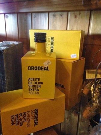 Cortijo de Tajar Restaurante: Aceite de oliva virgen extra de la zona.
