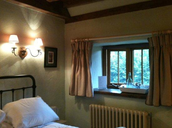 Meadow Cottage: Window