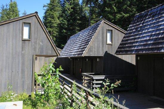 Glacier Bay Lodge: Bâtiment dans lequel se trouvait ma chambre