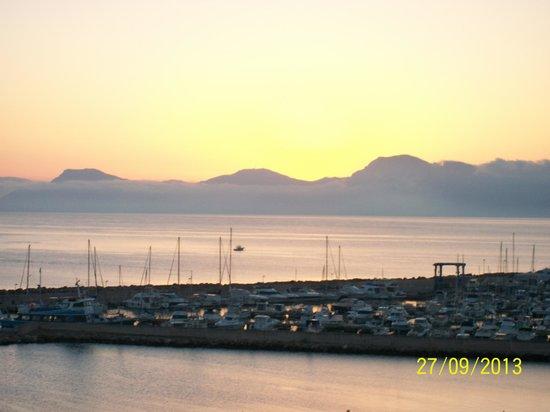 Hotel JS Miramar: Blick auf den Hafen bei Sonnenaufgang