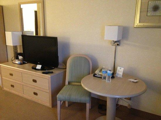 DoubleTree by Hilton Racine Harbourwalk: Room facilities