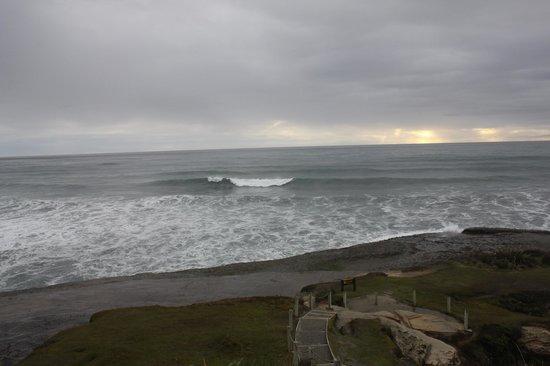 Te Nikau Retreat: nearby beach