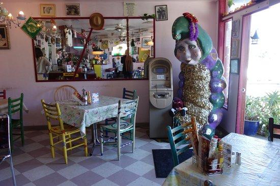 Bogie's Cafe : north
