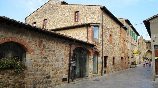 Hotel Monteriggioni: Hoteleingang