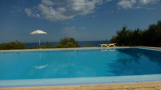 Villa Palamara 1868 : Pool and sea