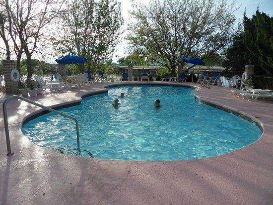 River Terrace Inn : Oudoor Pool