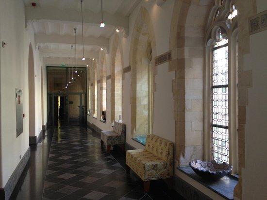 Kruisherenhotel Maastricht: Corridoi camere - Room corridor