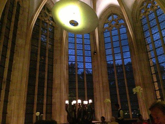 Kruisherenhotel Maastricht: Hall - View from the restaurant