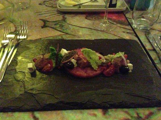 Kruisherenhotel Maastricht: Nice tartare at the restaurant