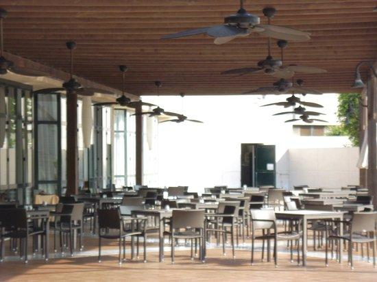 Hotel Almerimar: Außenbereich Restaurant