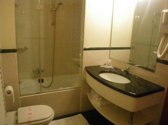 Garda Hotel: bagno suite