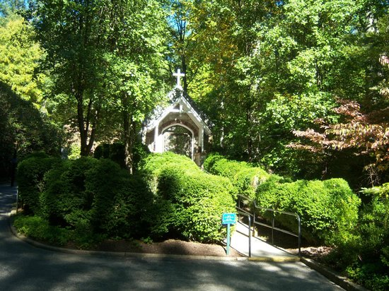 National Shrine Grotto of Lourdes 사진