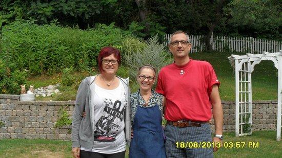 Un cygne blanc Bed and Breakfast : Ivana, Roberto and Christine