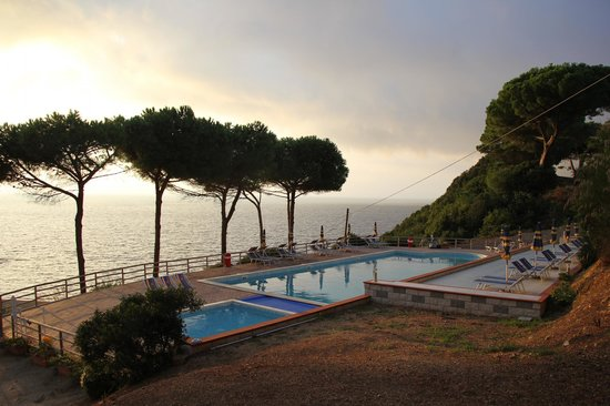 Residence Reale: piscina