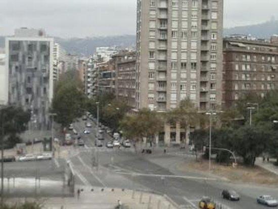Expo Hotel Barcelona: Plaza de las Cortes Catalanas en donde se encuetra la estación de Sants