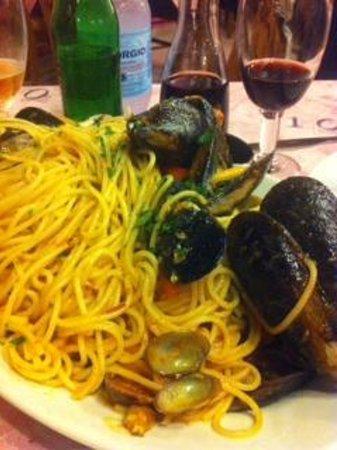 Spaghetti con vongole e cozze