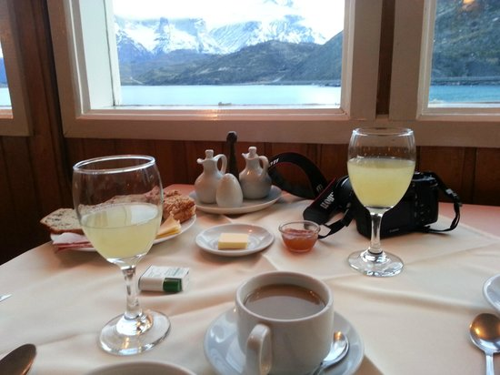 Desayuno Hosteria Pehoe