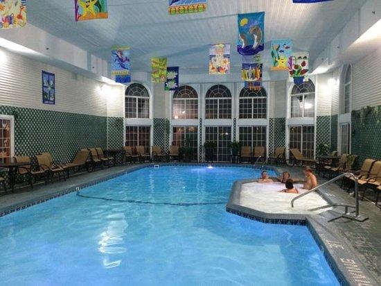 Hamilton Inn Select Beachfront Great Pool