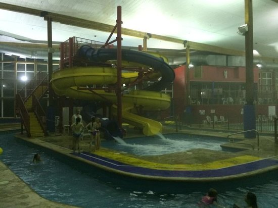 Hamilton Inn Select - Beachfront: More splash time!