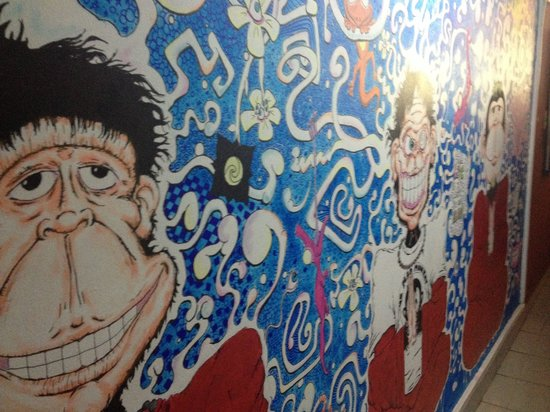 Mad Monkey Hostel Siem Reap: Best mural in mad monkey.... Great concept 4 travellers to get free accommodation!! :) :)