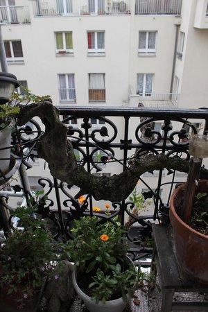 Domingo Rooms de Paris : Balcony
