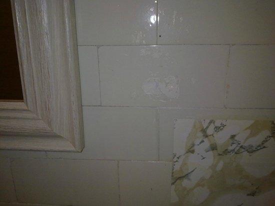 Hotel la Maison Demers: carrelages salle de bain