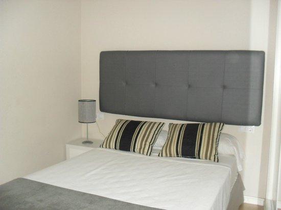 Apartamentos Metropolis Sevilla: Bedroom