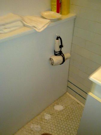 Hotel la Maison Demers: sèche cheveux