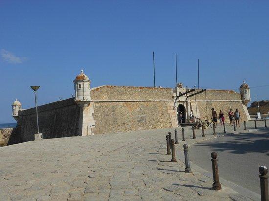 Ponta da Bandeira Fort