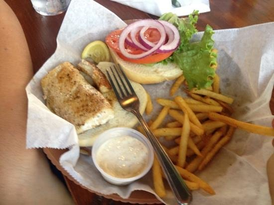 Swamp House Riverfront Grill: Grilled Mahi Mahi Sandwich