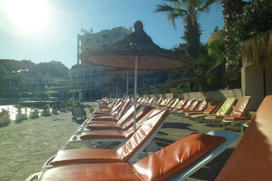 Marti Beach Hotel: Vue de l'hôtel