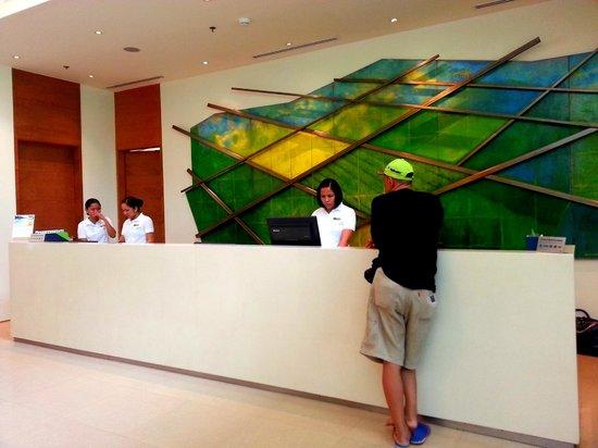 Pico Sands Hotel : --