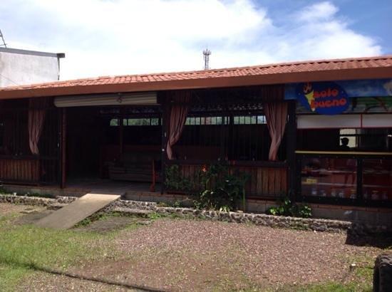 Hotel Reventazon : Solo Bueno Restaurant next door