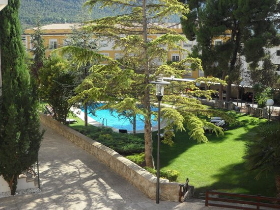 Hotel Villa de Biar: gardens