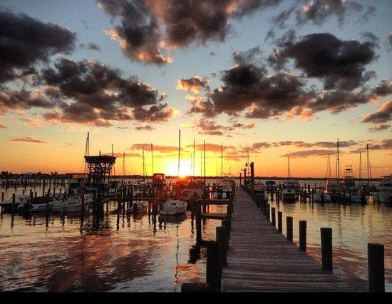 The Harbor Inn & Marina: Sunset