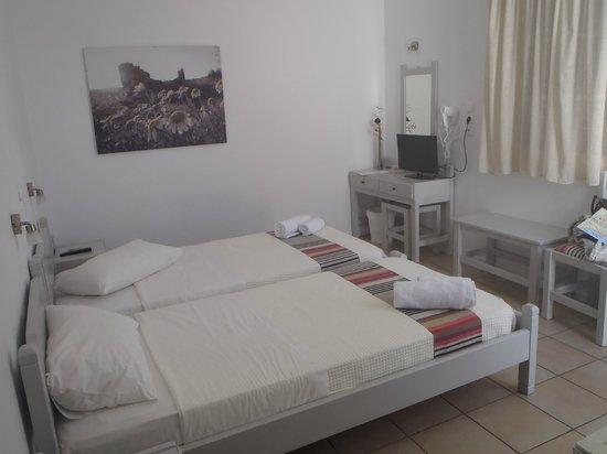 Akrotiri Hotel: La chambre