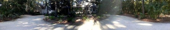 Heron Cove Bed & Breakfast at Silverstream Plantation : Front of the house