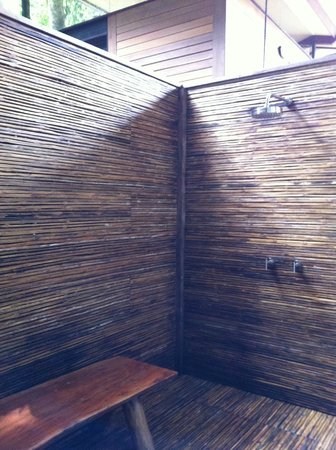 The Resort at Isla Palenque : outdoor shower!