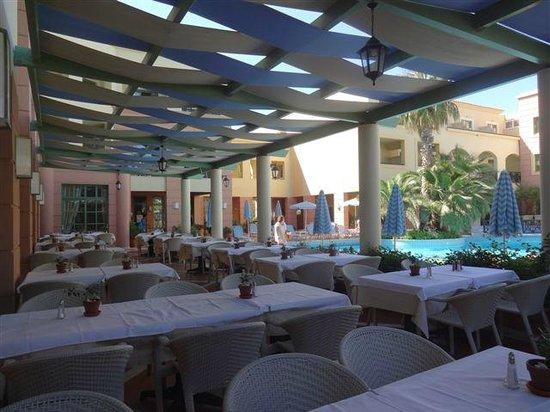 Samaina Inn Hotel: RESTAURANT EXTERIEUR