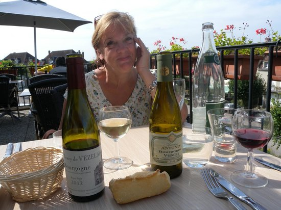 La Dent Creuse : the terrace on a sunny afternoon is great for lunch