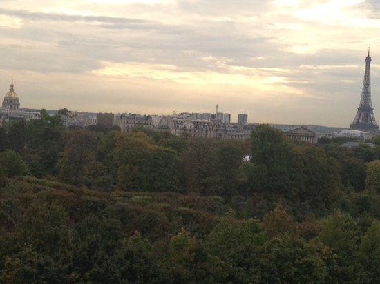 Hotel Brighton - Esprit de France: Napoleon's Tomb, the Tuileries,  and the Eifflel Tower