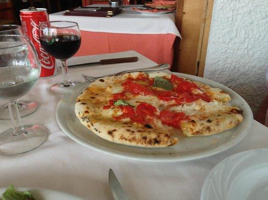 Adolfo Scotto di Luzio Private Driver: Great pizza and wine at da costantino
