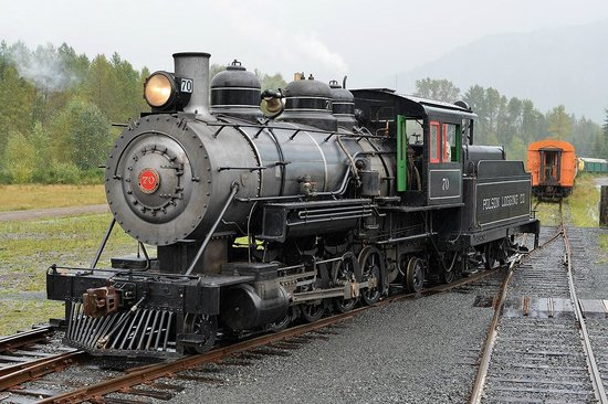 Mt. Rainier Scenic Railroad: The workhorse 1922 Baldwin 2-8-2 oil fired locomotive.