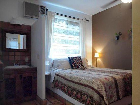 The Bungalows Hotel : Cozy Bungalow (Suite 6)